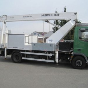 foto Assembly platform / pad 25m Hubmeister Iveco