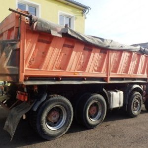 foto threeside tipper 8x4 Iveco